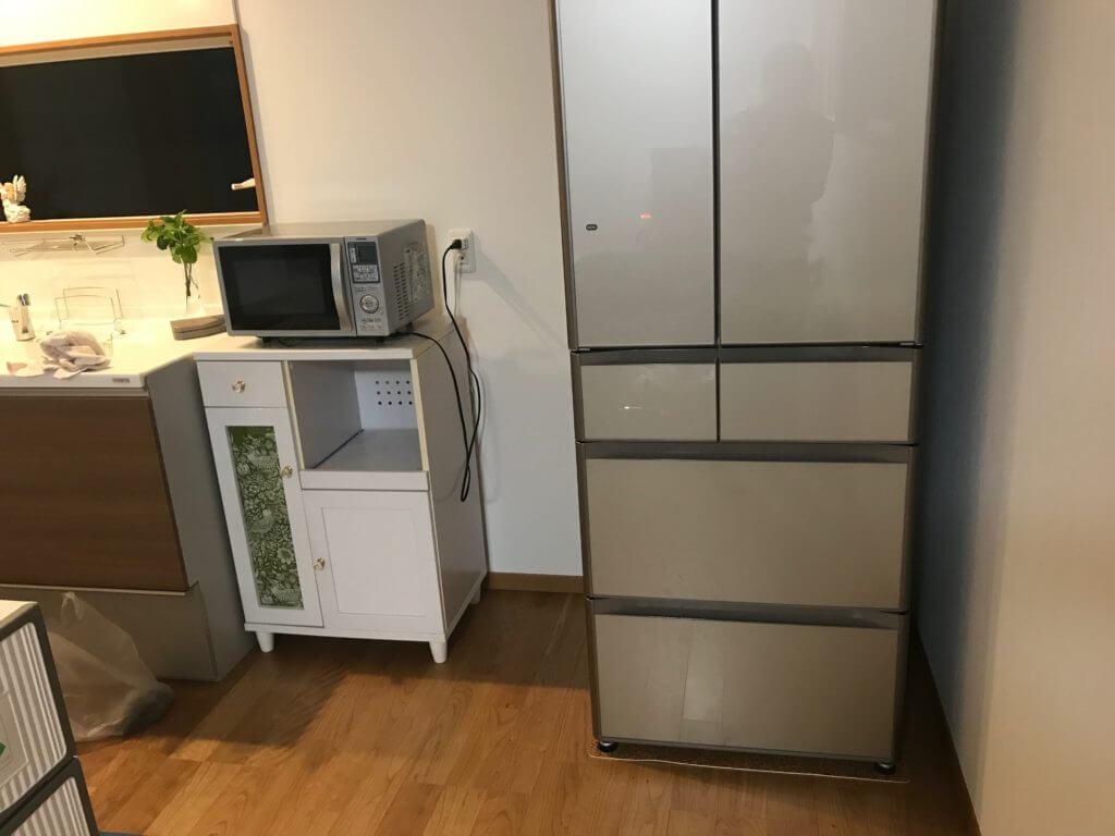 引っ越し作業が終わった冷蔵庫