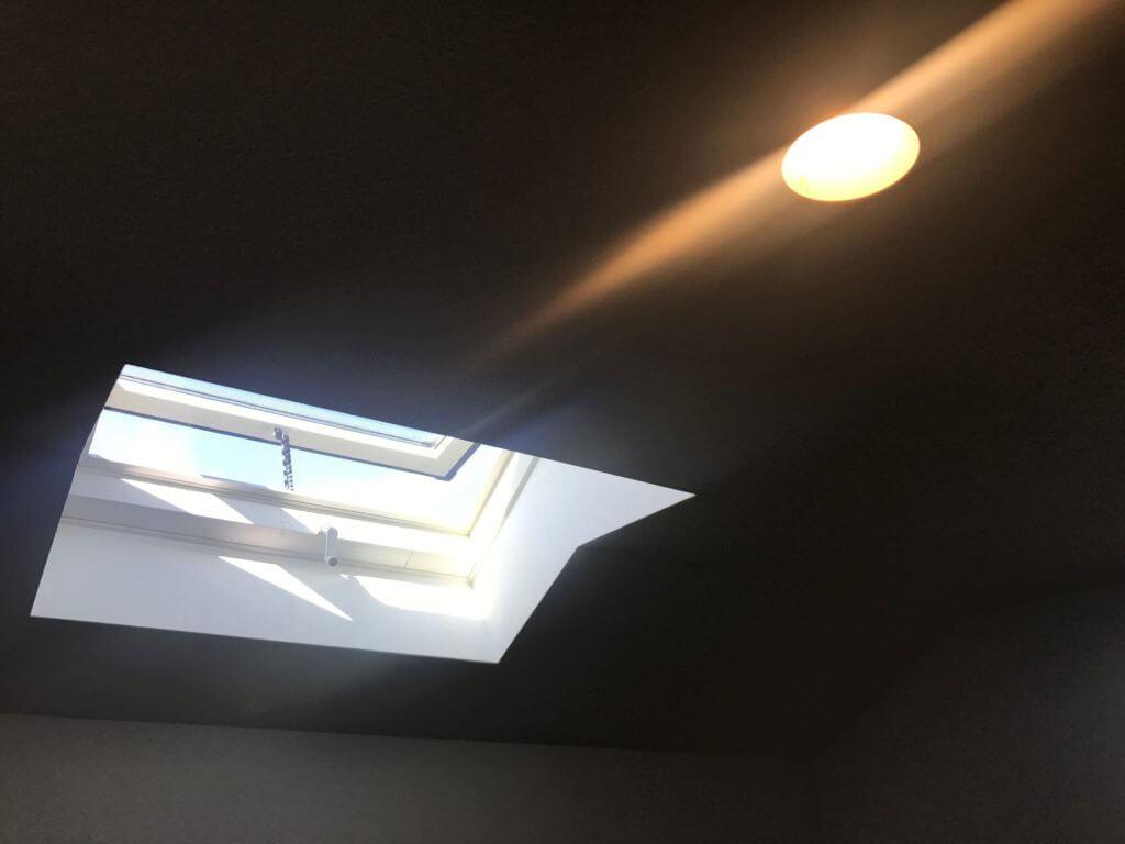 ロフトに設置された天窓