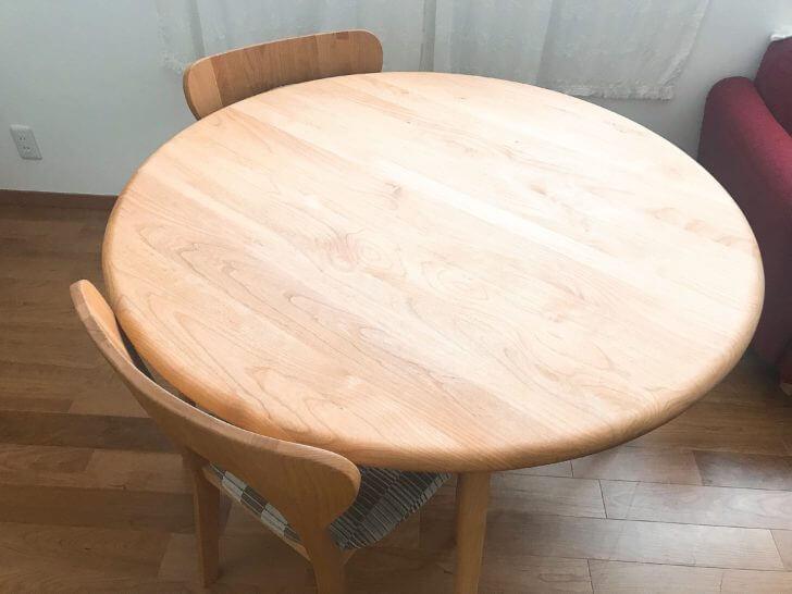 モモナチュラルの丸テーブル